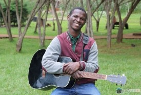 Nyawa Chengoni - Guitar Singer