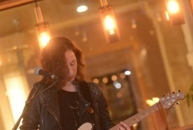 Abi Crisp - Electric Guitarist Exeter, South West