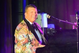 Bob Style Headline Entertainer - Pianist / Singer Germany, Germany