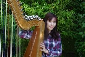 Niina - Harpist