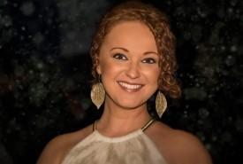 Cheryl Reid - Female Singer