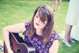 Emma Ronchetti - Guitar Singer Cornwall, South West