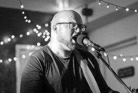 Daf Jones - Guitar Singer Llangefni, Wales