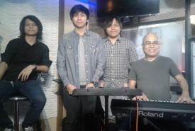 Mhanjoni Y. Martin - Pianist / Keyboardist Cavite City, Philippines
