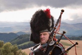 PIPERDAN - Bagpiper Falkirk, Scotland