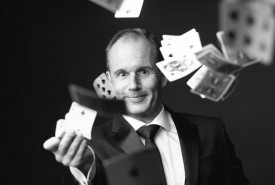 Stefan Ebinger - Close-Up Magician - Cabaret Magician - Close-up Magician Germany