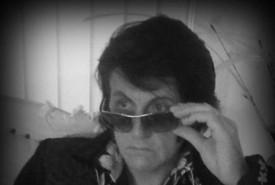 Rayaronking - Elvis Impersonator Filey, North of England