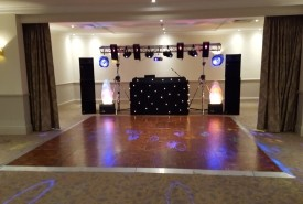 Champagne Entertainments Ltd - Karaoke DJ