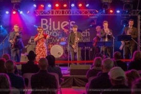 Dezzie D and the Stingrayz - Swing Band Australia, Queensland