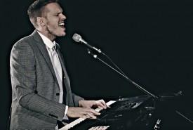 De La Fontaine - Pianist / Singer Australia, Victoria