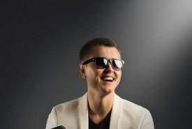Roman (Jazz&lounge pianis - Pianist / Keyboardist Ukraine