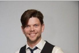 Andrew Chapman - Clean Stand Up Comedian Toronto, Ontario