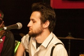 Cade Page - Acoustic Guitarist / Vocalist Bedfordshire, East of England