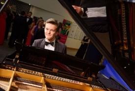 Cai Maxwell - Pianist / Keyboardist Cardiff, Wales