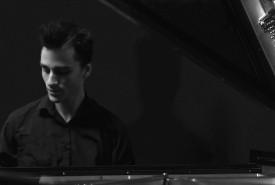 Liam Lewis-Sing - Pianist / Keyboardist