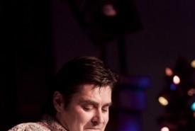 Mike Goudreau  - Guitar Singer