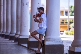 Tina Forsdyke - Violinist
