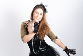 Leona - Female Singer
