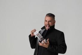 Niels Sayers - Comedy Cabaret Magician