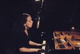Elaine James, Pianist Singer - Pianist / Singer
