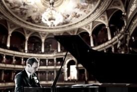 Kyle Reinke - Virtuoso Pianist - Pianist / Keyboardist Eau Claire, Wisconsin