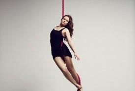 Heidi Hickling-Moore - Aerialist / Acrobat London