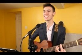 Benjamin Traill - Guitar Singer