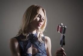 Debi Hall - Female Singer Basingstoke, South East