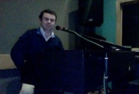 Owen Diamond - Pianist / Singer London, East of England