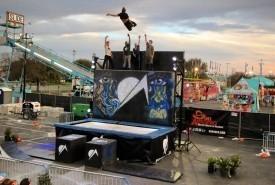 Off Axis Stuntshow - Aerialist / Acrobat