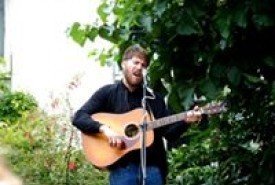 Padraig McLoughlin - Acoustic Guitarist / Vocalist London