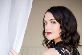 Stephanie Braxton - Production Singer South Africa, Gauteng