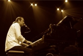 Christopher Roy - Pianist / Singer