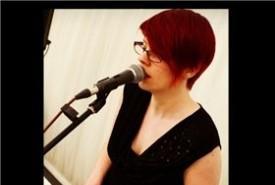 Tracey Jones - Pianist / Keyboardist South East