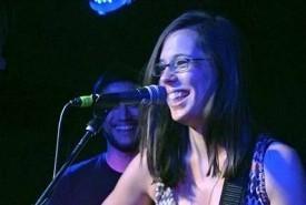 Sara Robalo - Guitar Singer Surrey, South East