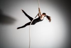 Caitlin Mader - Aerialist / Acrobat Canada, Quebec