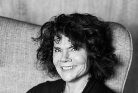 Karin Hoefling  - Female Singer