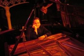 Robert Crucilla - Pianist / Keyboardist Decatur, Tennessee