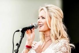 Laura Evans  - Female Singer Merton Park, London
