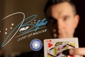 Jono Blythe, Close-Up Magician  - Wedding Magician