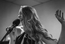 Katie Canning - Guitar Singer London
