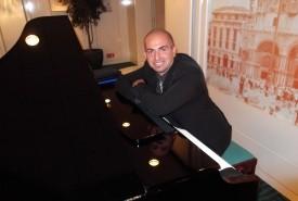 Cristiano Piano player - Pianist / Keyboardist Bari, Italy