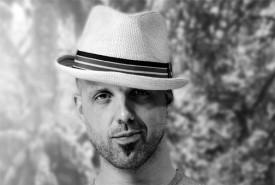 Matt Johnson - Urban Deception - Cabaret Magician Canada, British Columbia