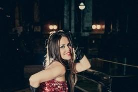 Gabriela Flores - Female Singer Funes, Argentina