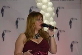 Anne Live! singer with passion - Wedding Singer