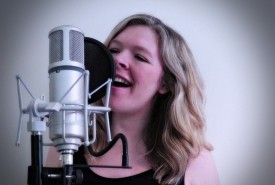 Essy Beth - Female Singer Huddersfield, Yorkshire and the Humber