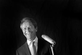 Robert Young: Simply Sinatra - Frank Sinatra Tribute Act Canada, Alberta