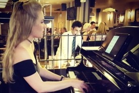 Victoria Robinson - Pianist / Keyboardist Northumberland, North of England
