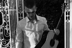 Daniel McCabe - Guitar Singer Leinster
