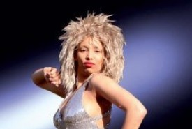 Lara sinclaire Tina Rihanna and Soul Diva - Tina Turner Tribute Act kent, South East